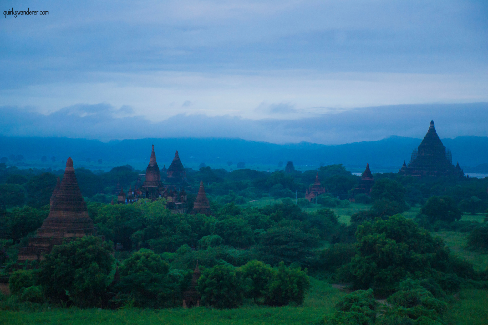 bagan-pagodas-in-blue-mist