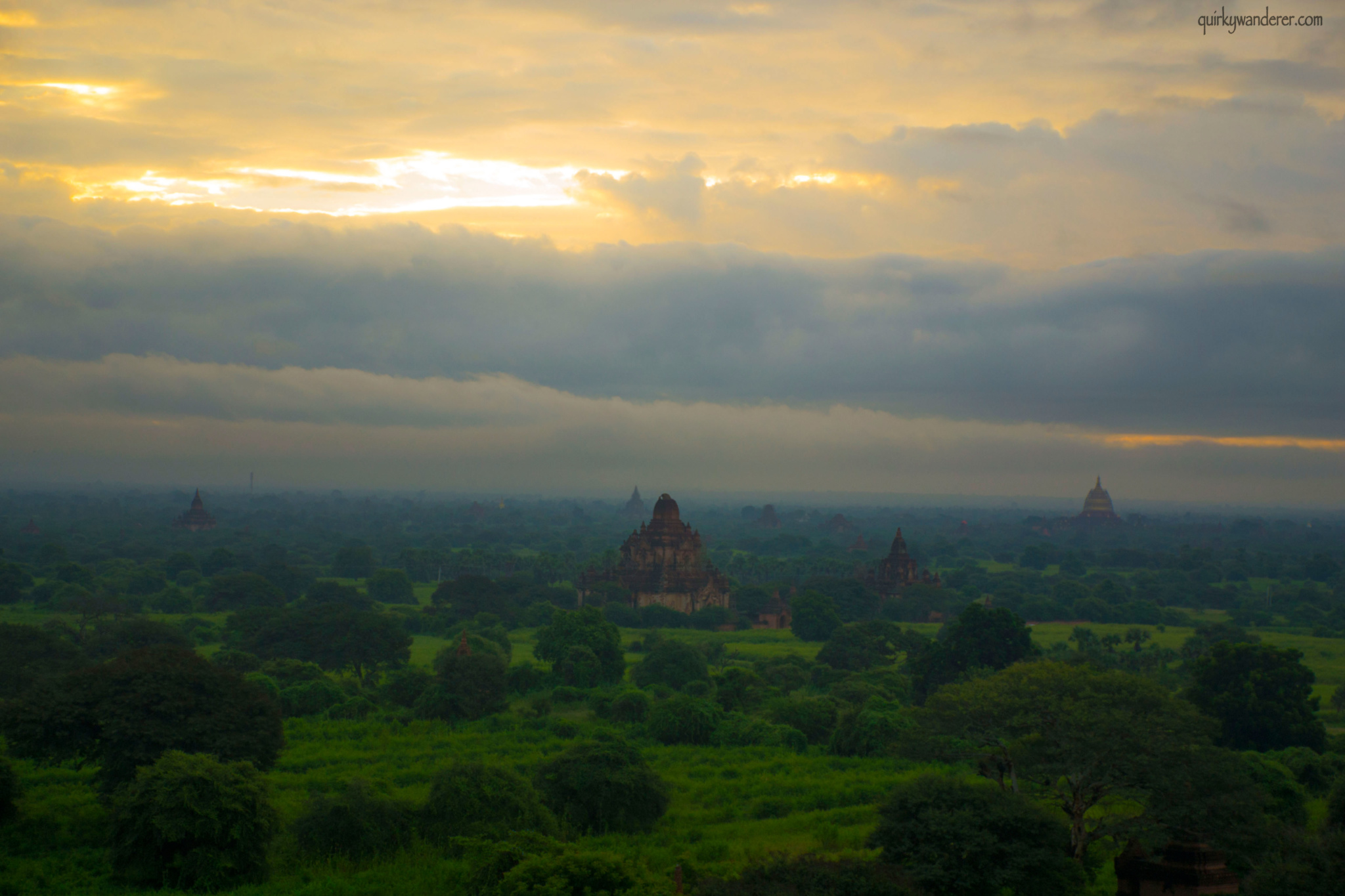 bagan-pagodas-sunrise-7