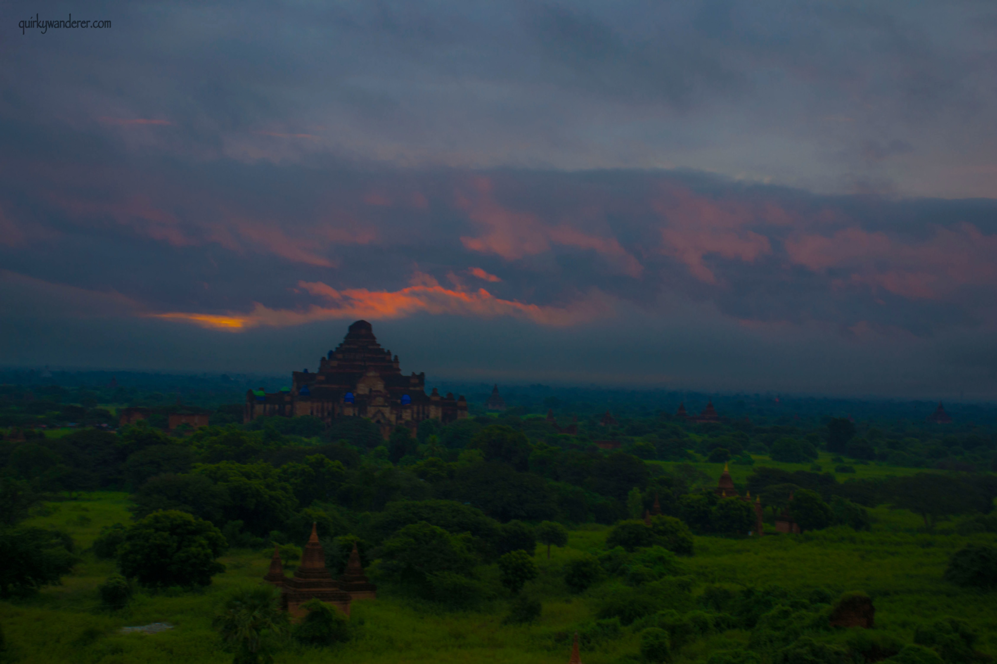 bagan-sunrise-fiery