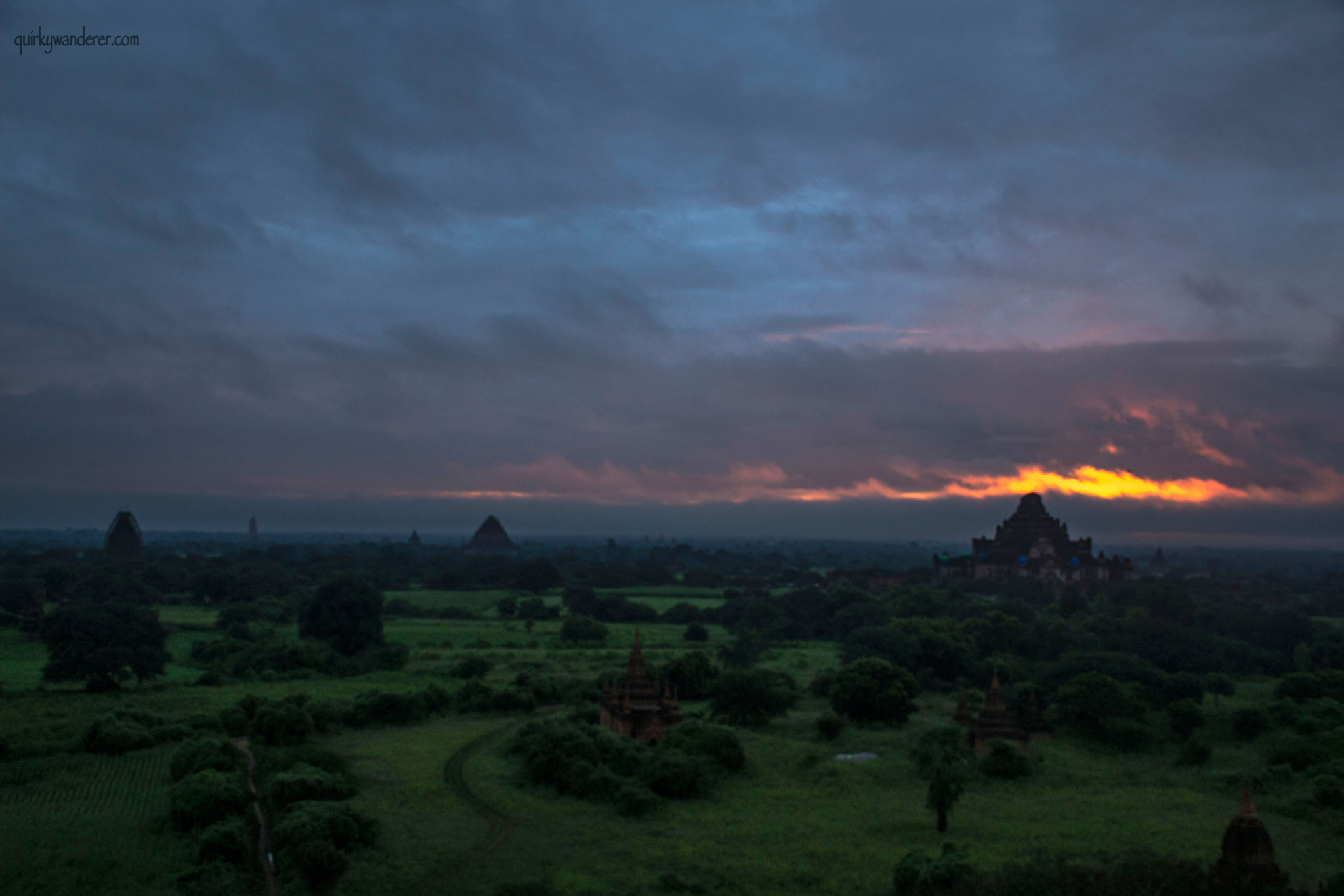 bagan-sunrise-landscape