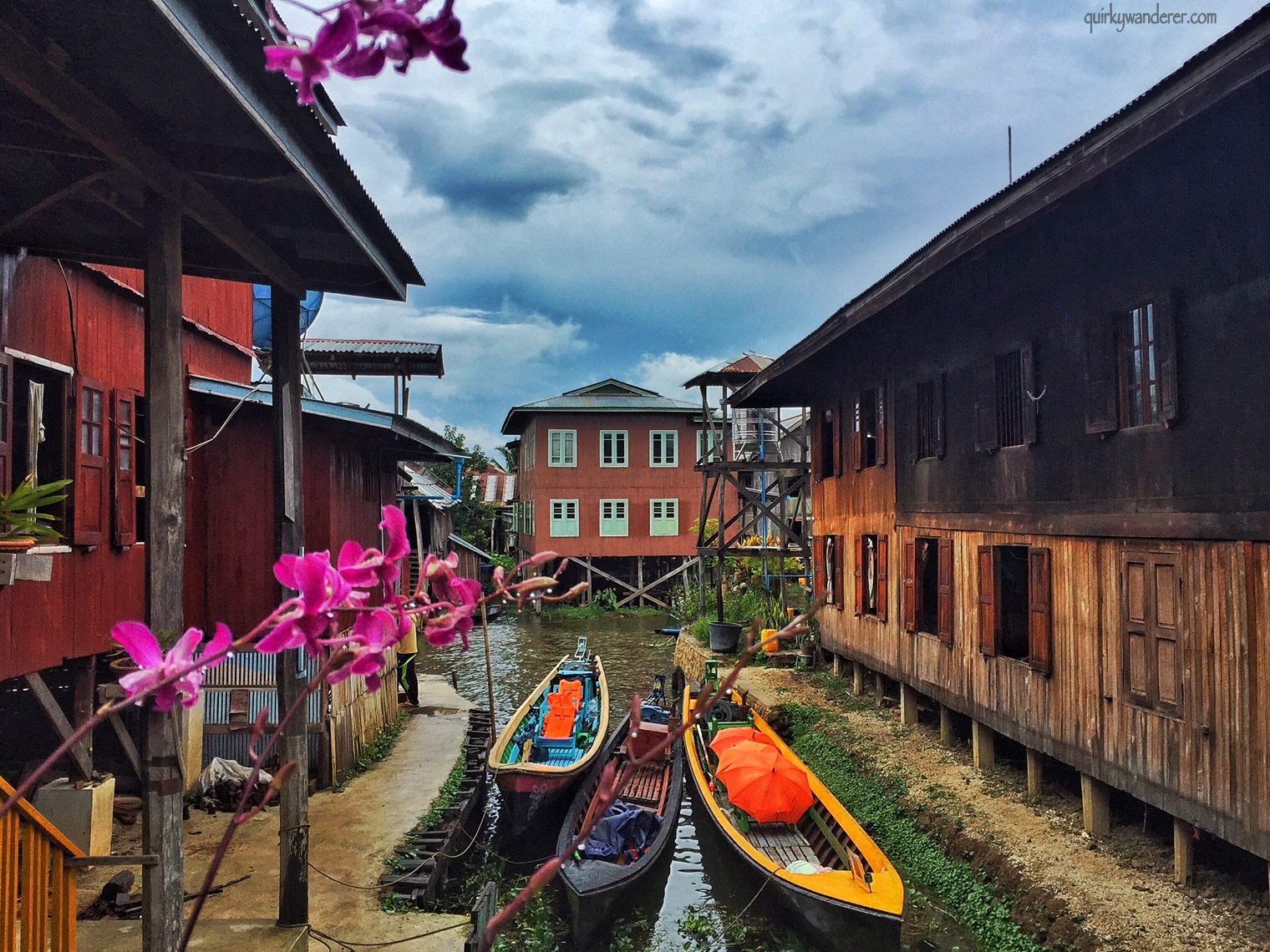 inle-lake-myanmar-boats-and-houses