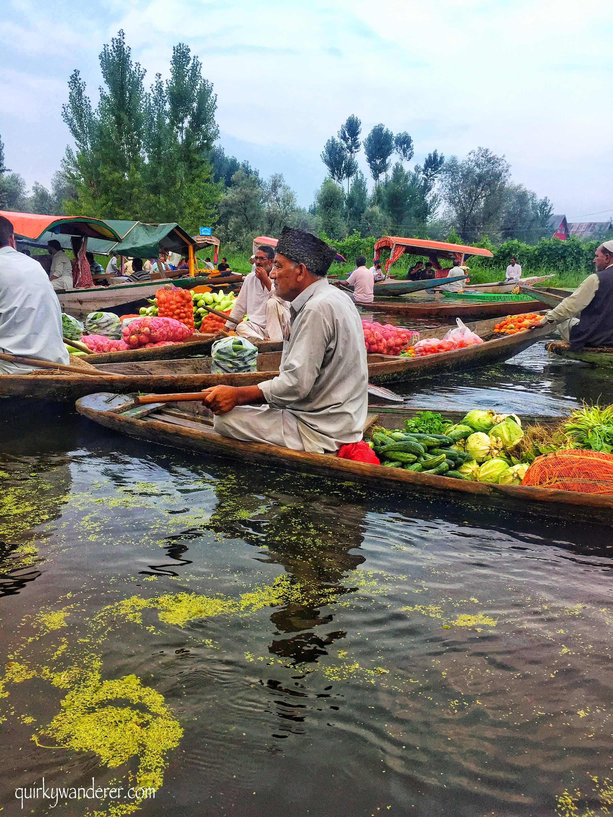 Dal lake floating market Srinagar