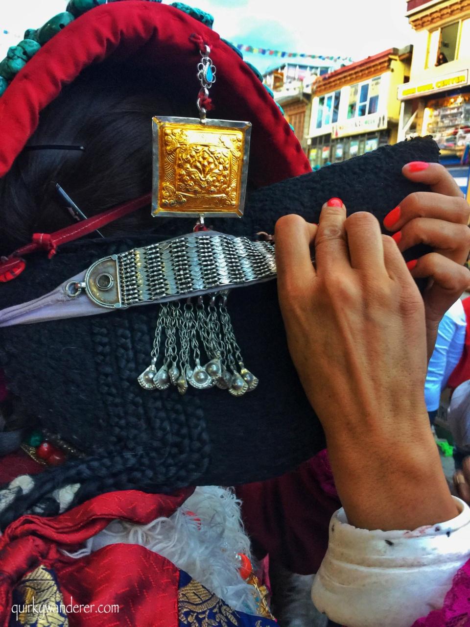 ladakhi local costumes