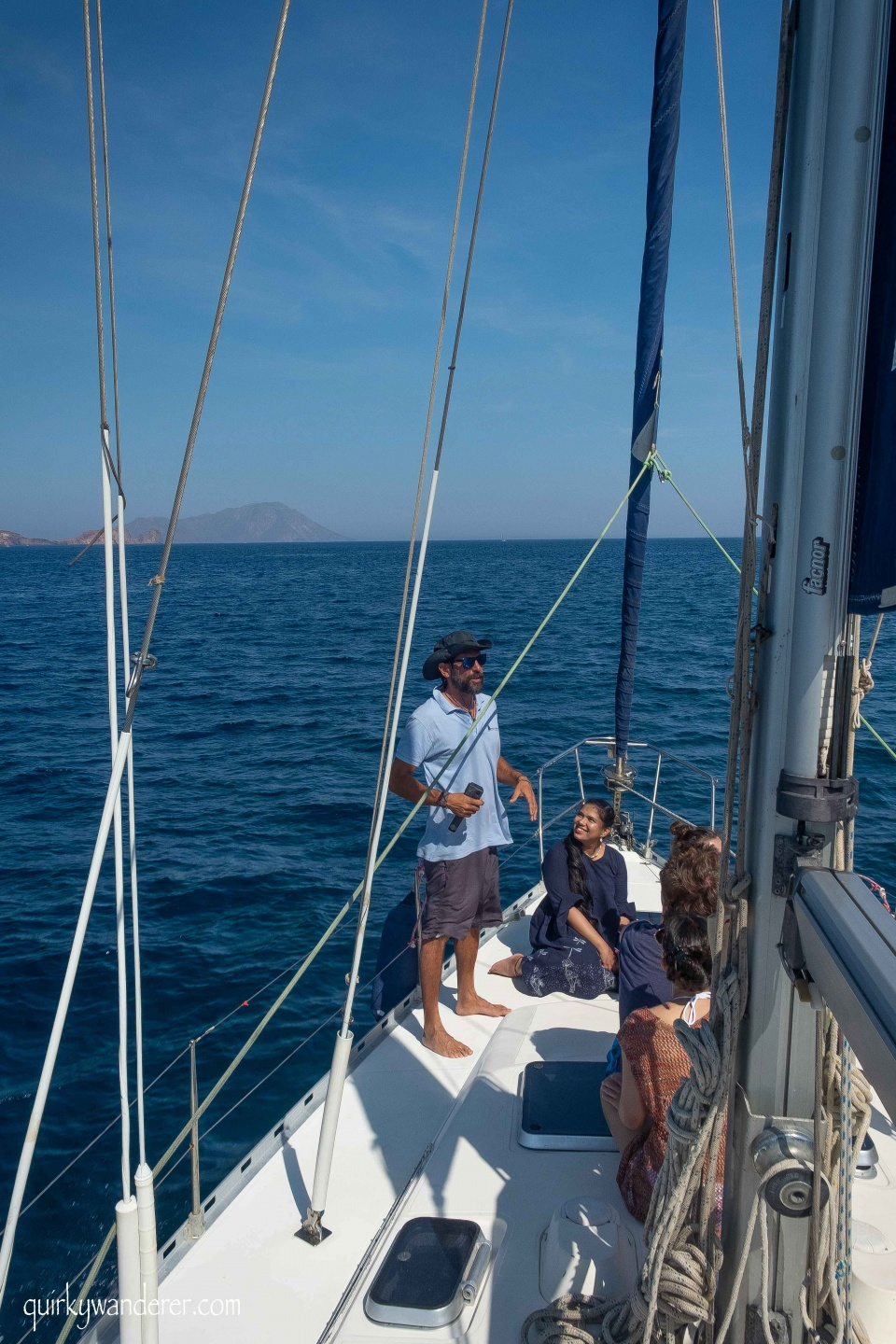 Polco sailing tours in Milos island